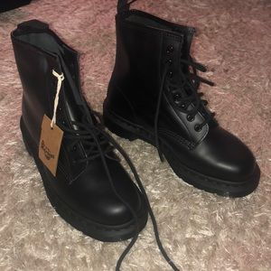 WOMANS DR MARTENS, BRAND NEW